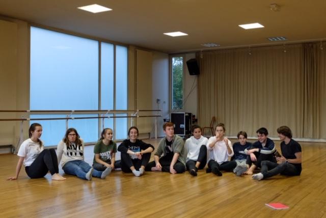 Les 10 danseurs de TryËma 2 au studio de danse après une répétition
